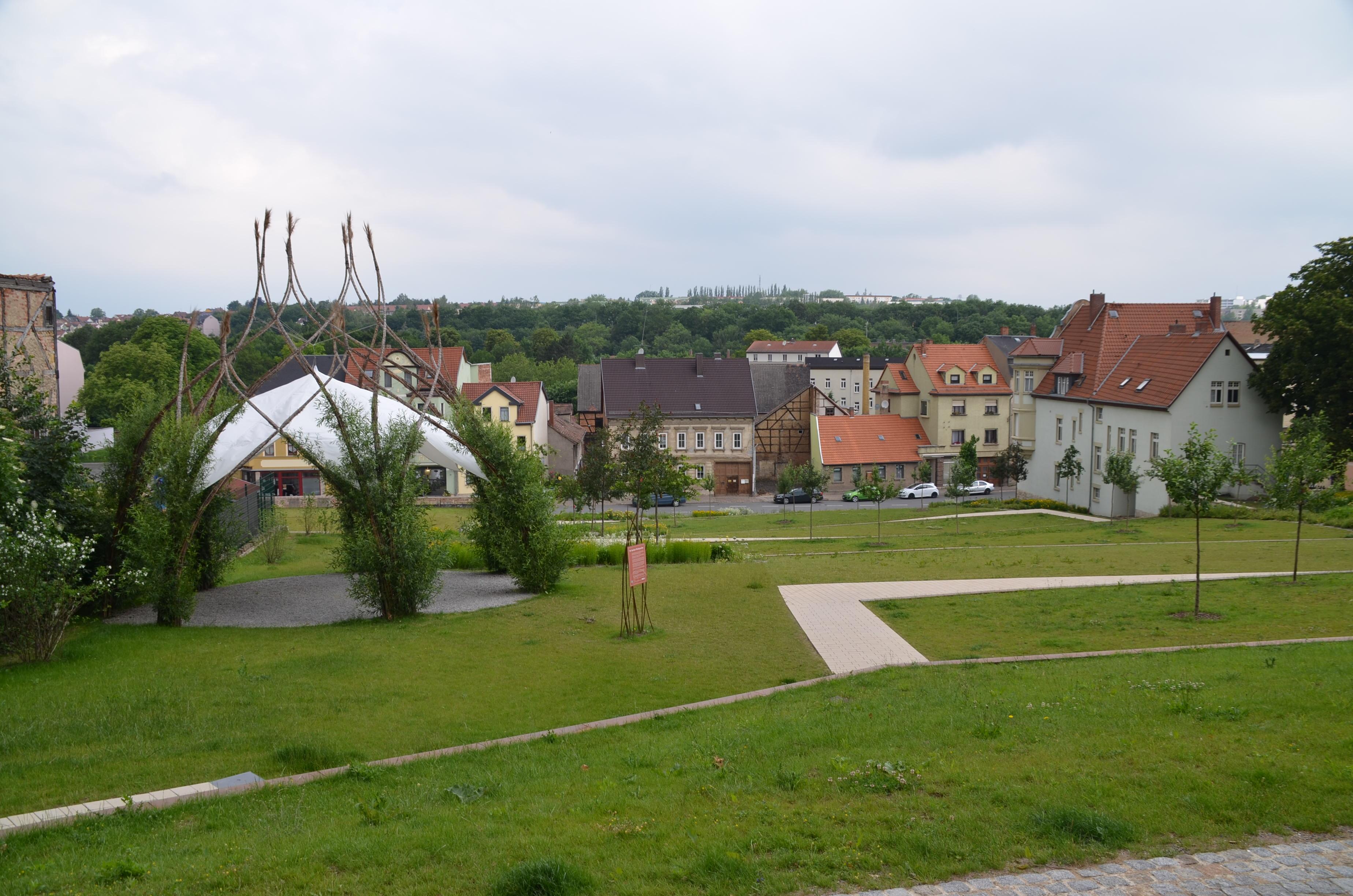 Weidenpavillon im Paulinenpark Apolda, RAG Weimarer Land - Mittelthüringen e.V.