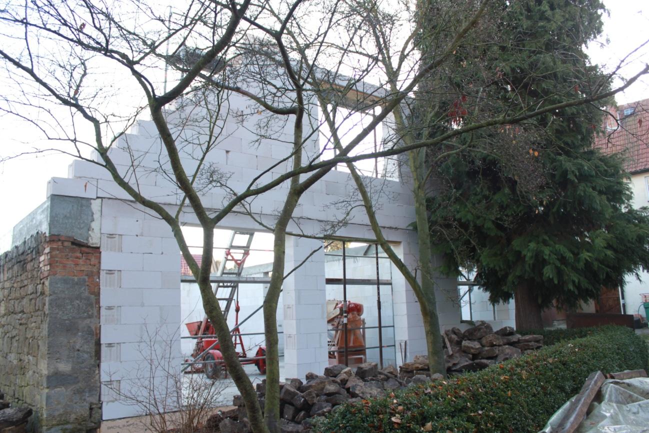 Pfarrscheune Großschwabhausen: Westgiebel des großen Saals im Bau (Quelle: Herr Rothe)